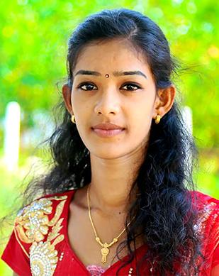 திருமதி பவதாரணி மதிவதனன் – கணினி ஆசிரியர்